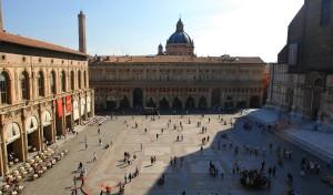 0020 001 300x176 Piazza Maggiore
