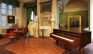 0040 004 300x176 Museu Donizettiano em Bérgamo